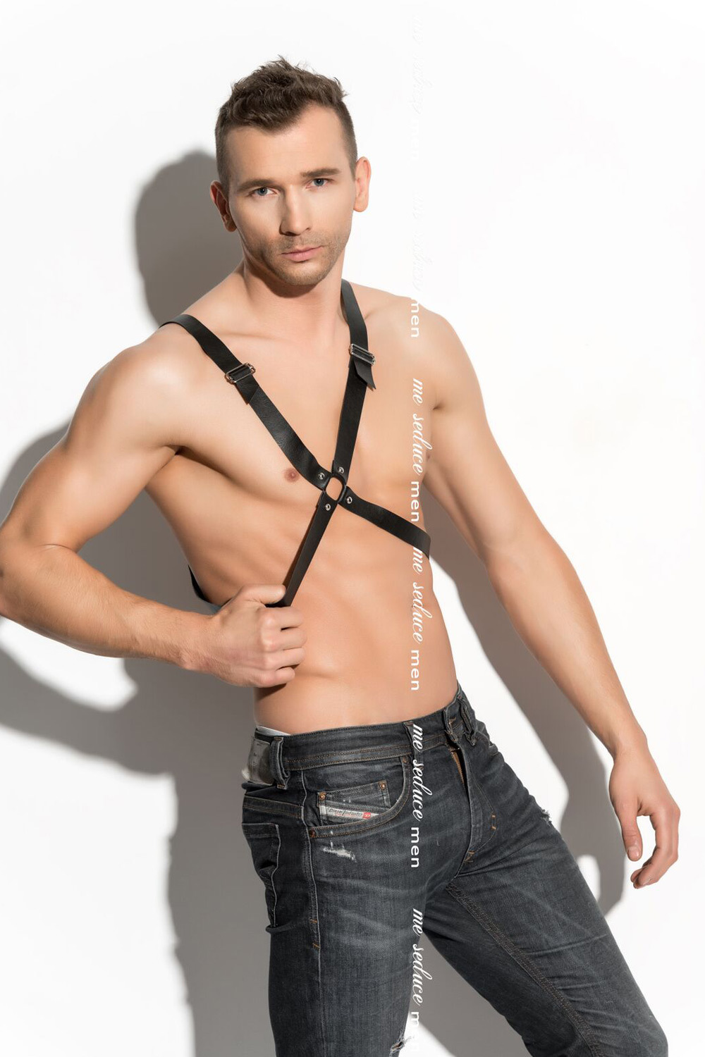 mes_harness_man_04_1